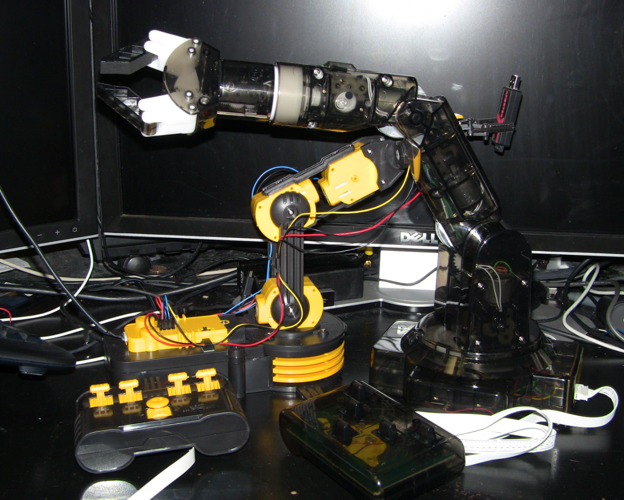 The Two Owi Robot Arm Kits Compared Pete Brown S 10rem Net