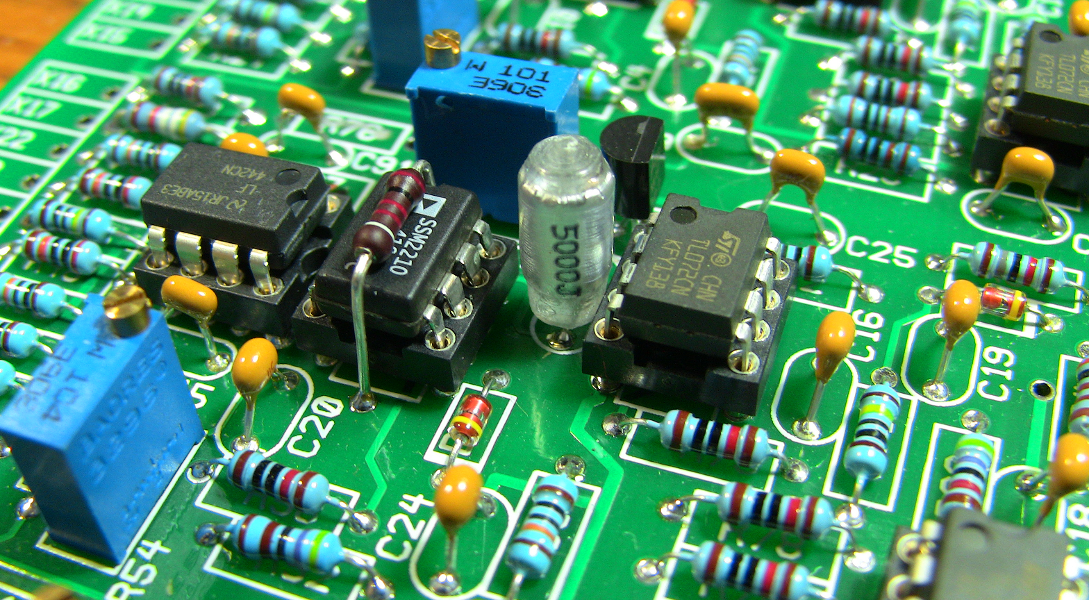 Diy Hub Dynamo Usb Charger furthermore Ltcc3d moreover Pcb Layout Fundementals together with Pc Based Data Logger additionally Pcb Layouts. on capacitors circuit board component
