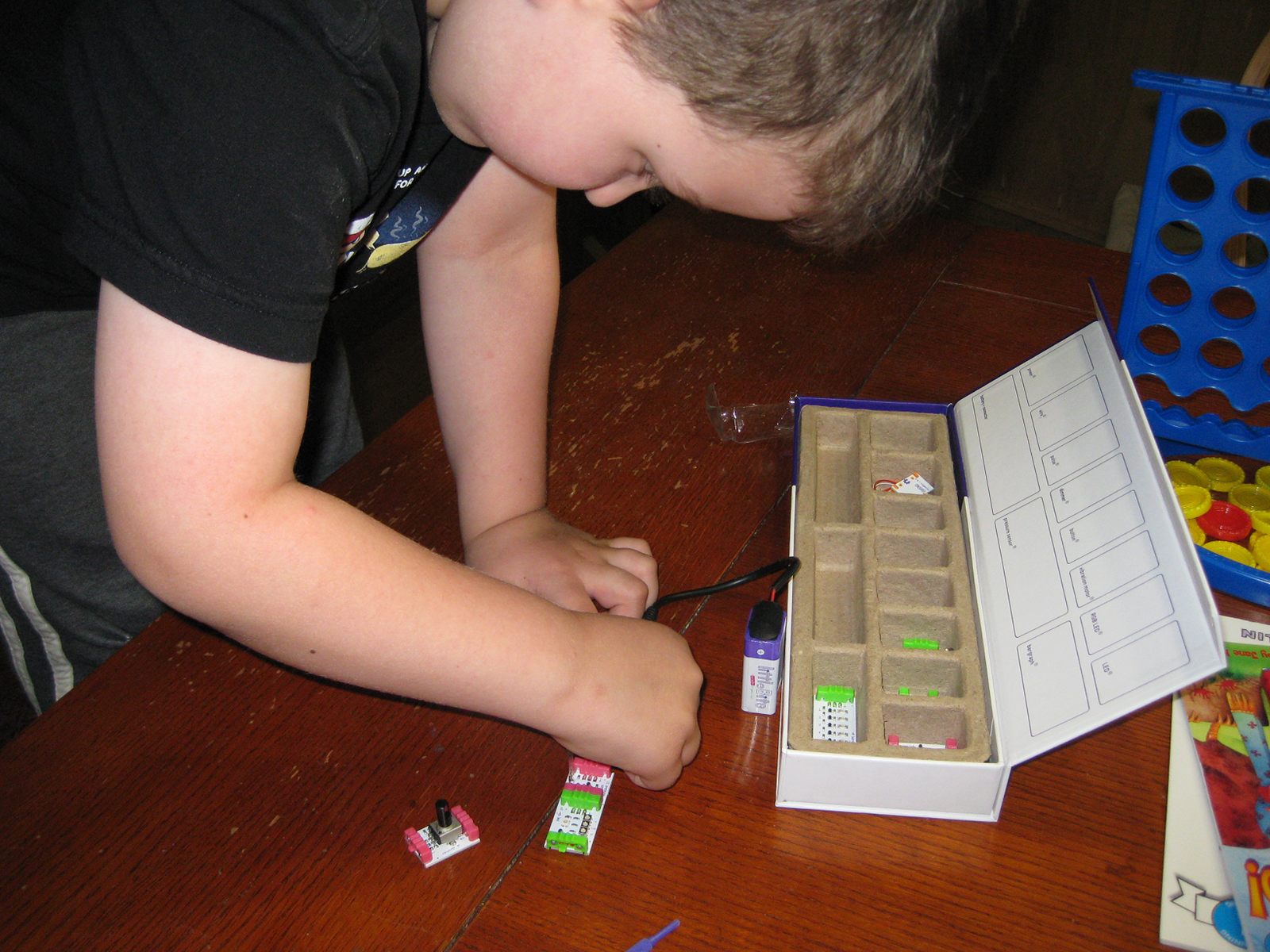 Teaching Kids Electronics Electricity And Logic Using Littlebits